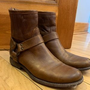 FRYE ankle booties size 9.5